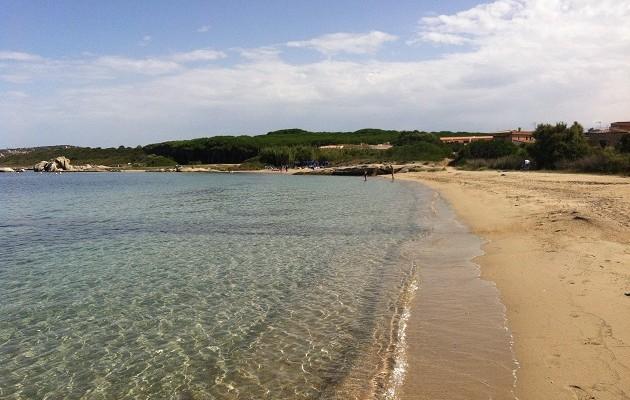 palau spiaggia punta nera dog beach